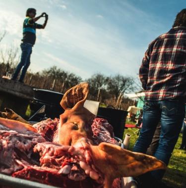 Pork party _ team building_ budapestUNDERGUIDE