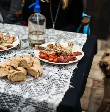 budapestunderguie, out of budapest, etyek, goulash cooking