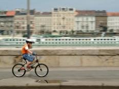 Travel Budapest, Budapest by bike