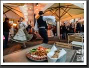 Interactive sightseeing & dinner & dance in Budapest.